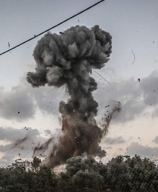 المدفعية الإسرائيلية تستهدف مواقع فلسطينية بغزة
