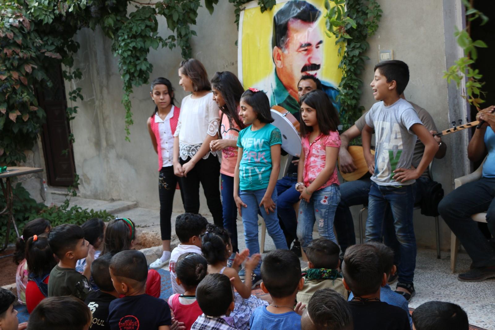 احتفالية لإعادة فرحة العيد لقلوب أطفال الشيخ مقصود
