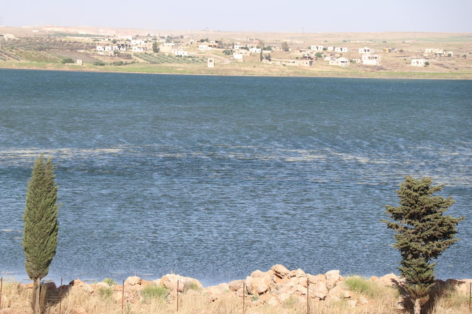 على خطى داعش.. الاحتلال التركي يلوث مياه سد الشهباء
