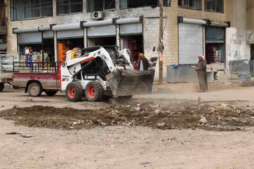 بلدية هجين والمجلس المدني لدير الزور يسابقون الزمن لتأمين الخدمات للأهالي