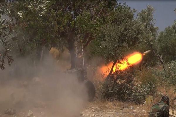 قصف صاروخي على اللاذقية وحماه وتفجير عبوة ناسفة في دمشق