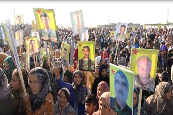 الآلاف من أهالي شمال وشرق سوريا يتظاهرون أمام قاعدة للتحالف رفضاً للتهديدات التركية