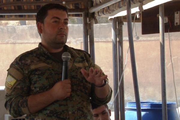 قيادي في قسد: المناطق التي تحررت بدماء الشهداء غير قابلة للمساومة