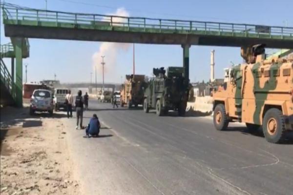 عقب تعرض رتل للقصف.. تركيا توصل إمداد المرتزقة بالإمدادات في إدلب