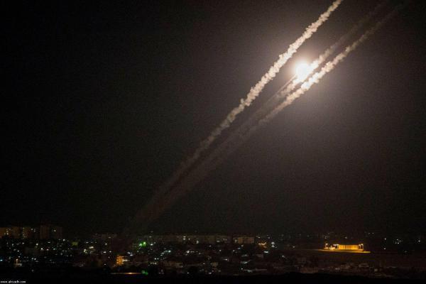 عدة قذائف صاروخية تُطلق من غزة صوب البلدات الإسرائيلية