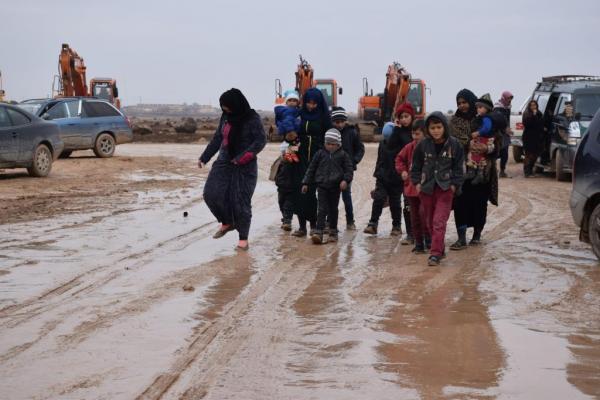 عيونهم تترقب خروج الاحتلال والعودة إلى ديارهم