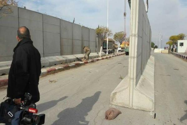 جيش الاحتلال يبني الجدران حول مقرّاته في كري سبي
