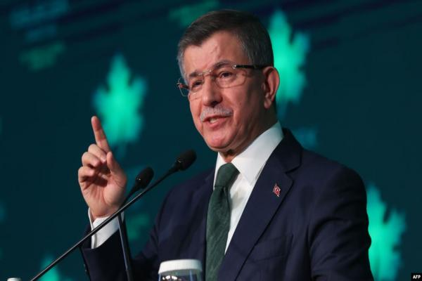 أردوغان يبدأ حربه الانتخابية مبكراً.. إقصاء حزب داوود أوغلو