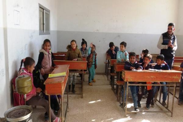 الطلبة المُهجّرون يستعدون لتقديم امتحانات الفصل الأول