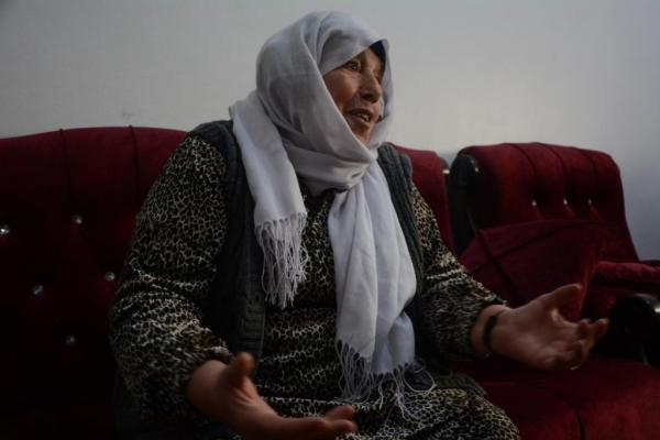 انتهى إرهاب داعش وعيناها مازالتا تراقبان عودة ابنها المفقود