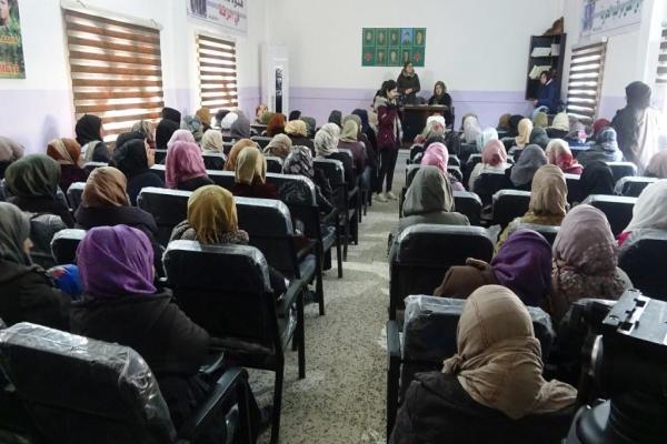 حزب سوريا المستقبل يعرف مبادئ الحزب لنساء الرقة