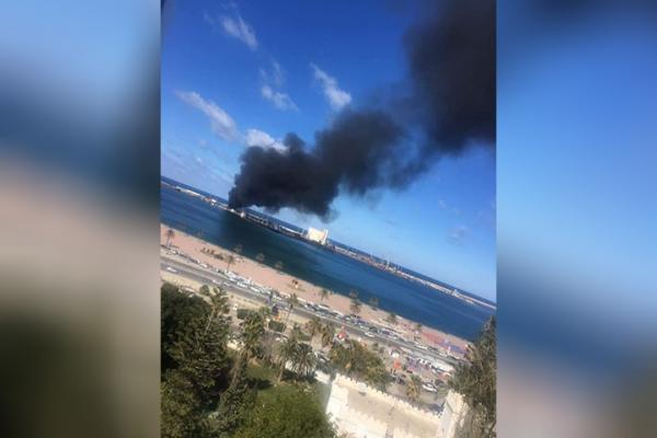تدمير سفينة تركية محملة بالأسلحة في ميناء طرابلس