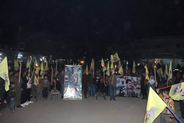مظاهرات ليلية لأهالي كركي لكي وجل آغا للمطالبة بالكشف عن صحة أوجلان