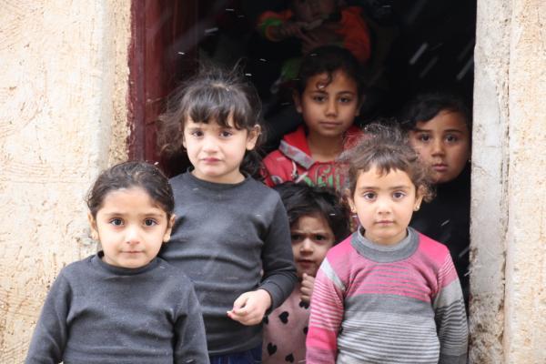 نازح من إدلب فقد ابنه قبل أن يصل إلى مناطق الإدارة الذاتية يقول: ما ذنبنا؟