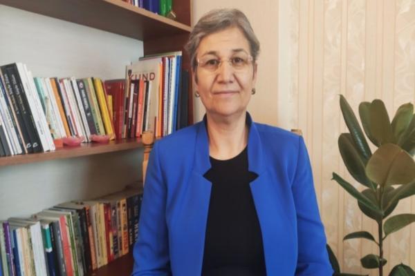 ليلى كوفن تدعو حكومة إقليم كردستان إلى رفع الحصار عن مخيم مخمور