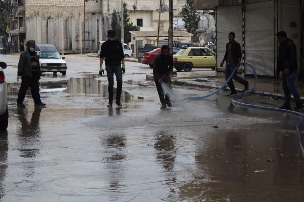 بلدية حيي الأشرفية والشيخ مقصود تواصل حملة التعقيم استكمالاً للإجراءات الوقائية