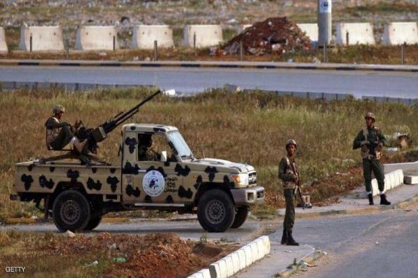 سلسلة غارات عنيفة للجيش اللّيبيّ على مخازن أسلحة تركيّة
