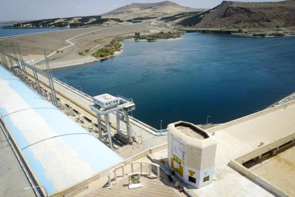 الإدارة الذّاتيّة تحمّل الأمم المتّحدة مسؤوليّة تلاعب تركيّا بمعدّل مياه الفرات