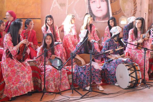 استمرار حملة حركة الهلال الذّهبيّ الفنية في يومها الثّالث
