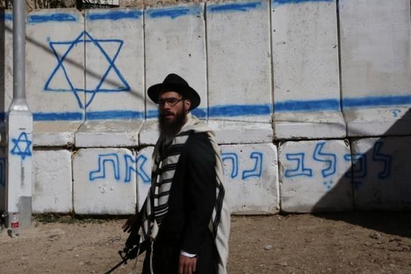 جنرال إسرائيليّ سابق يحذّر من تداعيات ضمّ الضّفّة: سنتحوّل لدولة مصابة بـ