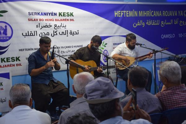 انطلاق مهرجان روج آفا السابع للثقافة والفن في قامشلو
