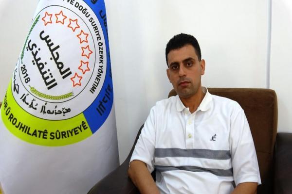 مستشار الإدارة الذاتية: قرار إدخال المساعدات من معبر باب الهوى جاء ليشرعن الإجرام التركي