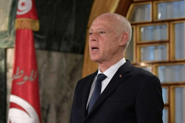 الرئيس التونسي يقطع الطريق على مناورات النهضة