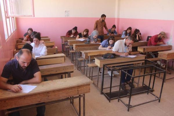 50 طالب/ـة ينهون المرحلة الأولى للغة الكردية في الدرباسية