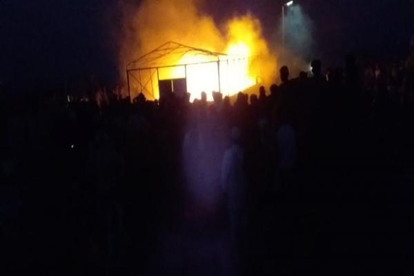 اندلاع حريق في مخيم العريشة واقتصرت الأضرار على المادية