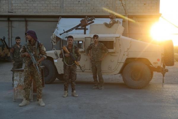 أبناء البوجامل في مجلس دير الزور يرفضون التدخلات الخارجية