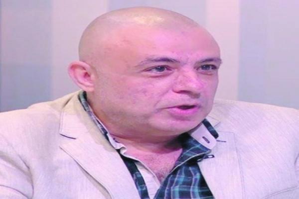 لبنان على مفترق طرق.. كاتب لبناني يحذر من استغلال تركي - قطري