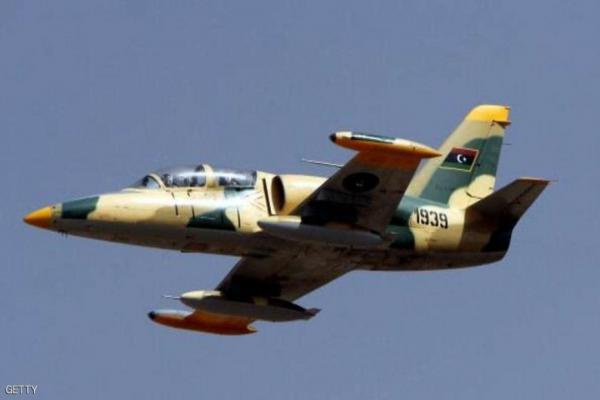 مصادر ليبية: سلاح الجو الليبي يدمر رتلًا من مجموعات السراج بالقرب من سرت