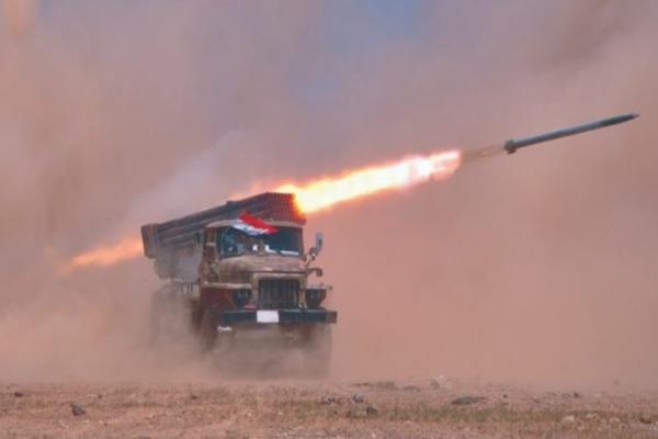 القوات الحكومية تجدد قصف جبل الزاوية