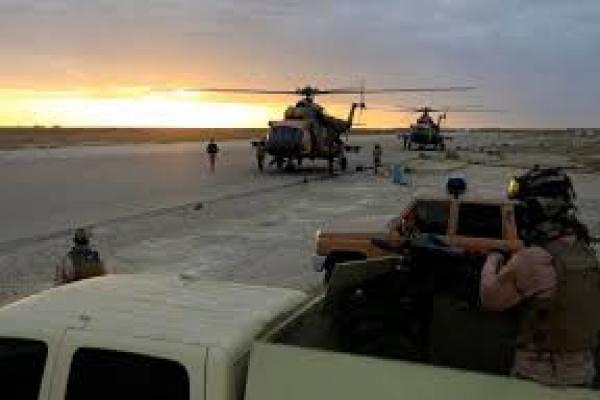 العراق.. صواريخ وعبوة تستهدف معسكر ورتل للقوات الأجنبية