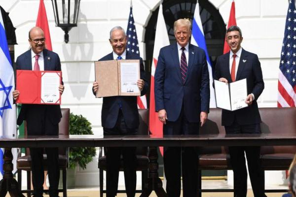 لصياغة معاهدة السلام بين البحرين وإسرائيل.. وفد إسرائيلي يزور البحرين
