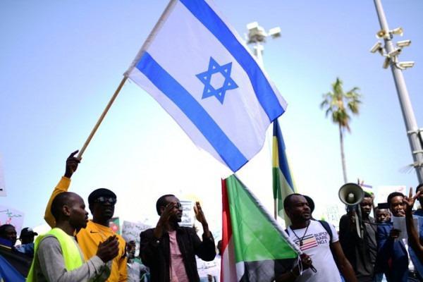 صحيفة: موافقة مبدئية من السودان لتطبيع العلاقات مع إسرائيل
