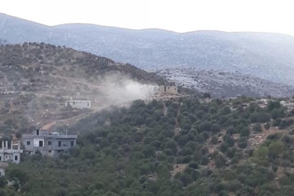 اشتباكاتٌ عنيفة بين الجيش اللبناني ومجموعة مسلحة في وادي خالد