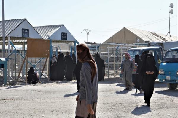 الأُسر السورية في مخيم الهول بين الرغبة بالخروج وعدمها