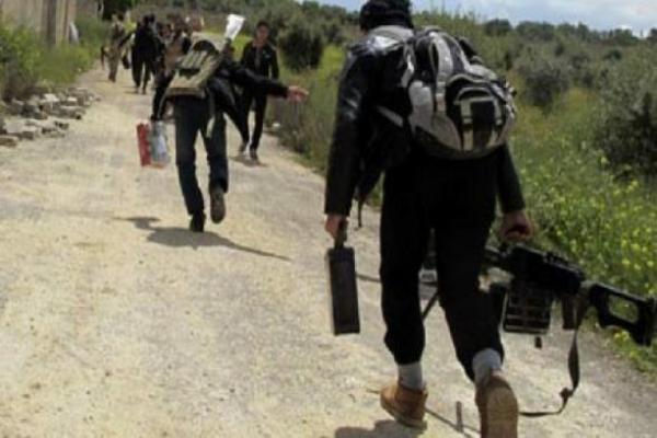 مقتل 3 عناصر للحكومة السورية في إدلب إثر استهداف المرتزقة لرتل عسكري