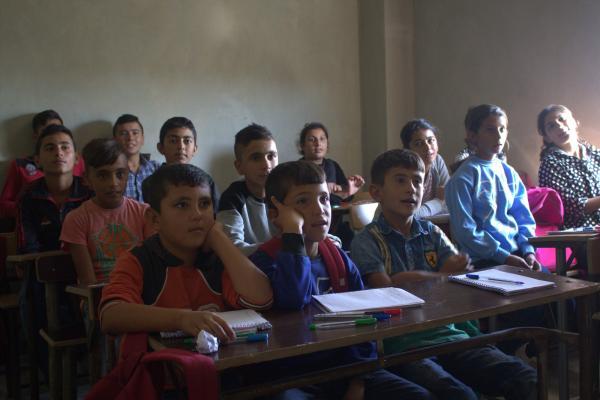 قلة الكتب الدراسية يصعب التدريس في مقاطعة الشهباء