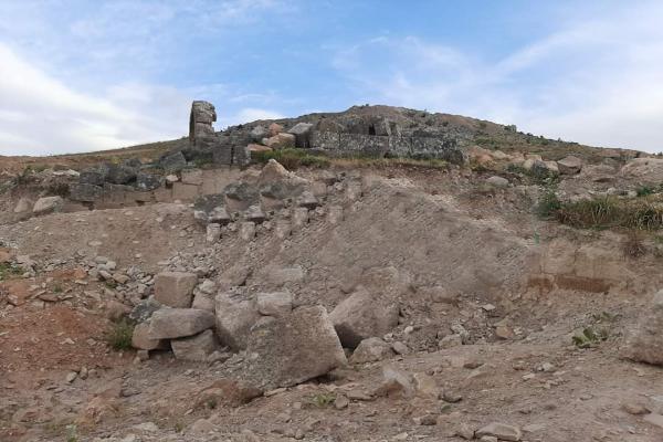 منظّمة حقوقيّة: تركيا ومرتزقتها تدمر المواقع الأثرية في عفرين المحتلّة