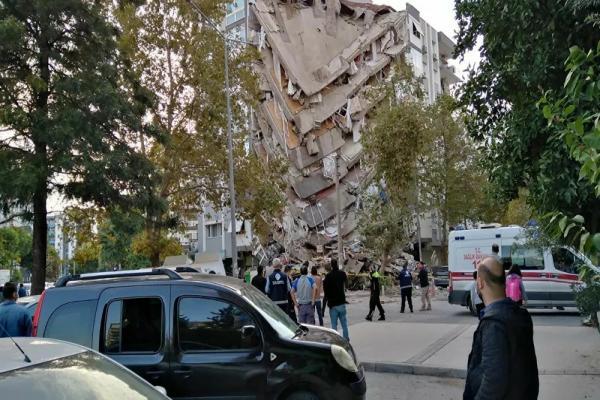 زلزال جديد يضرب إزمير وارتفاع حصيلة خسائر زلزال أمس