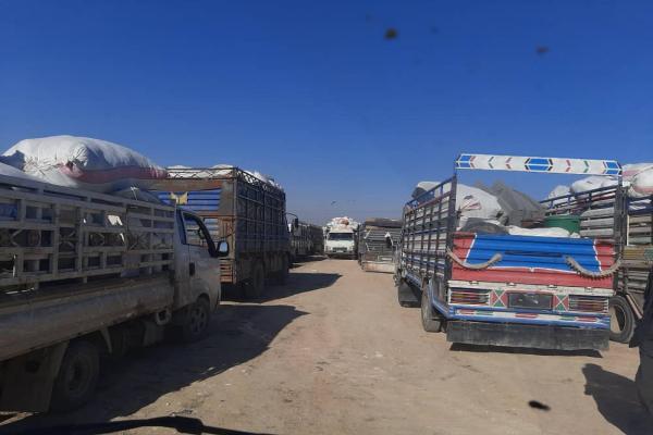 الدفعة السادسة من النازحين السوريين يغادرون الهول