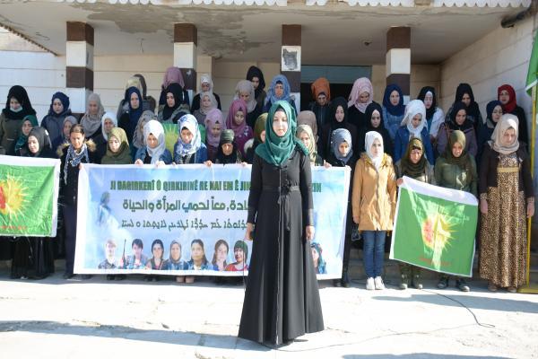 أنشطة تناهض العنف وتدعم حرية المرأة