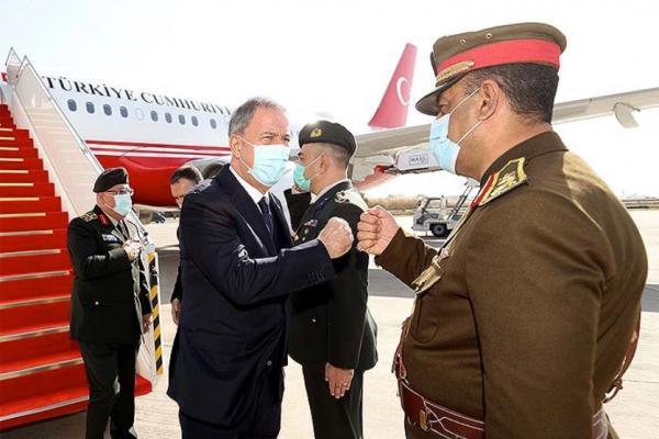 وزير الدفاع التركي يصل إلى العراق