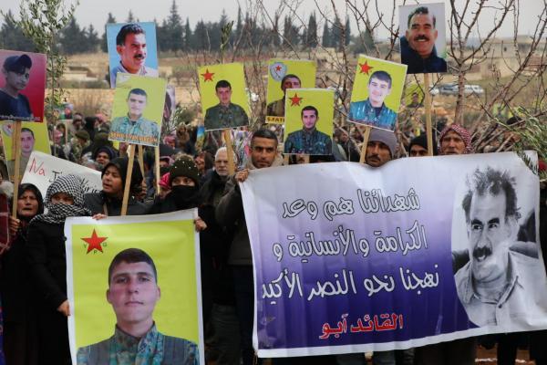 مهجّرو عفرين خلال المظاهرة: نطالب المنظمات الدولية والحقوقية إخراج المحتل من أرضنا