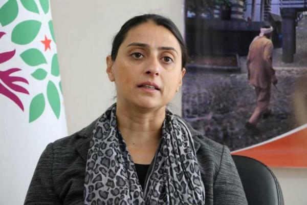 فلك ناز أوجا: الحرب على HDP هي حرب ضد الكرد ونظام الأمة الديمقراطية