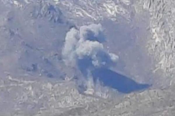 طائرات الاحتلال التركي تقصف عددًا من المواقع في مناطق الدفاع المشروع