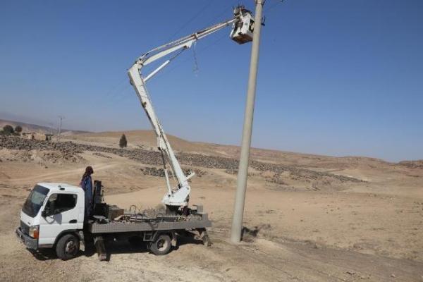 مدّ خطّ الدّارة المزدوجة لتغذية محطّات المياه والجمعيات الفلّاحية بدير الزّور