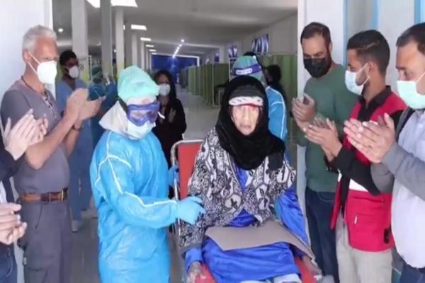مشفى كوفيد- 19 في الحسكة يُخرج مسنة تبلغ من العمر 103 أعوام بعد شفائها